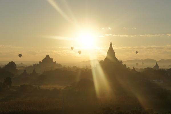 Myanmar, Birma. Foto door Roana Luhulima.